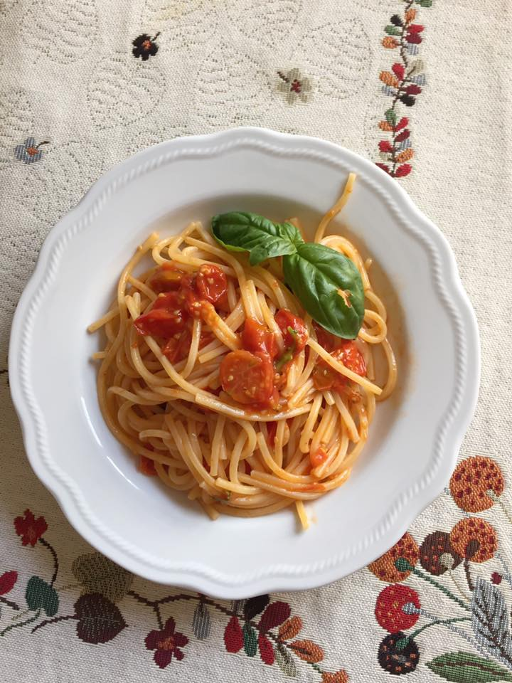 spaghetti-ai-ciliegini.jpg