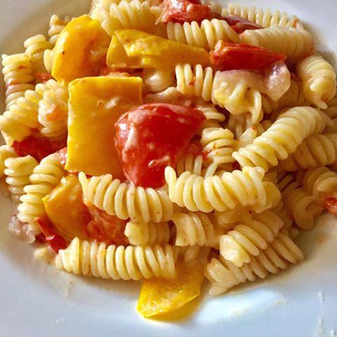 fusilli-con-peperoni-e-formaggio-philadelphia1.jpg