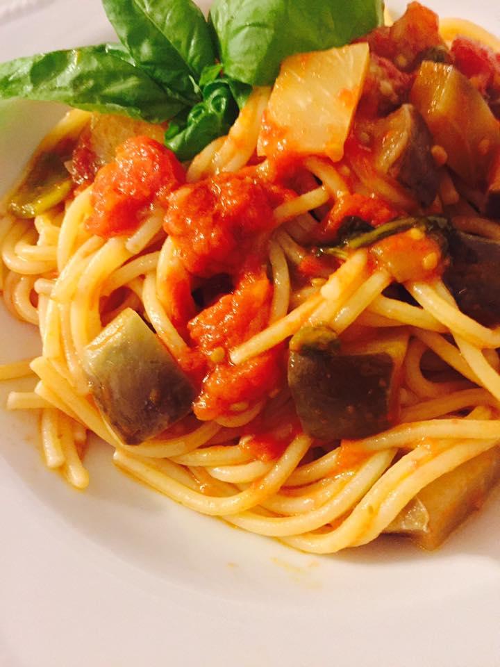 spaghetti-melanzane-peperoni-pomodorib.jpg