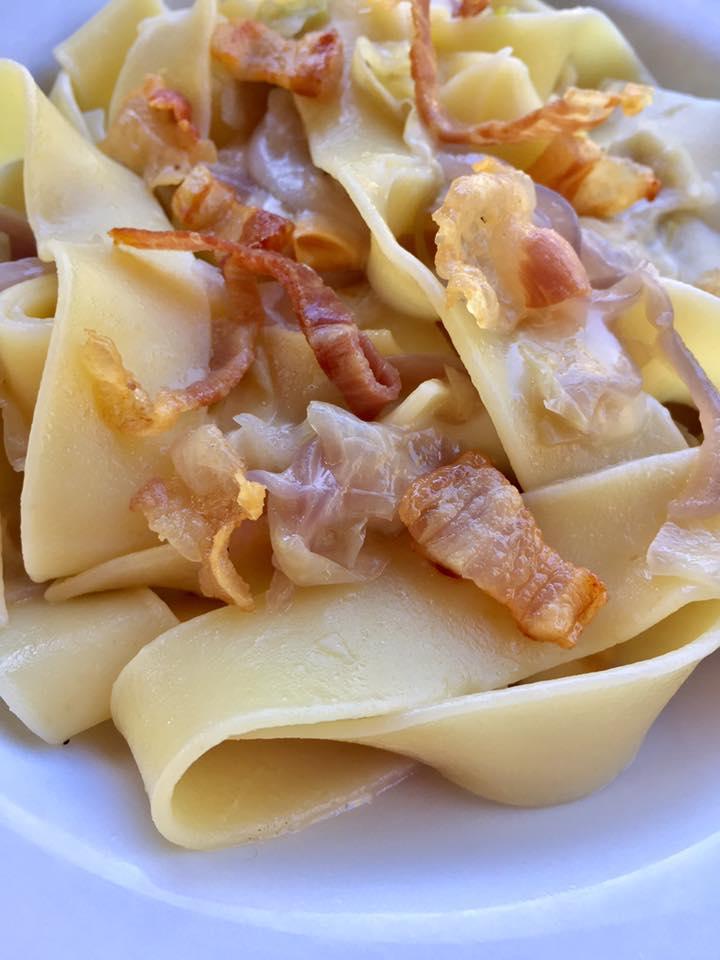 pasta-con-sugo-di-cavolella-e-rigatino-2.jpg