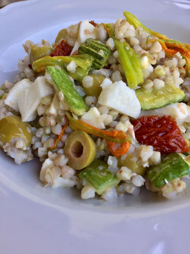 insalata-di-grano-saraceno-dal-gusto-delicatob.jpg